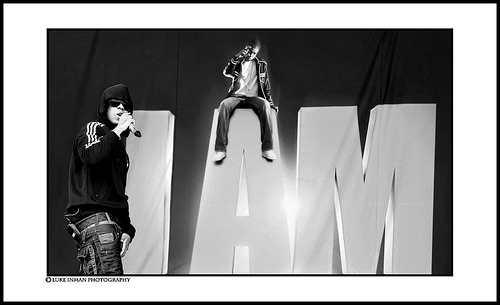 PIC BY LUKE INMAN PIC SHOWS CHIPMUNK LIVE ON STAGE AT 2010 T IN THE PARK.